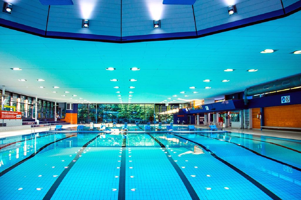Schwimmen im Sportbad!